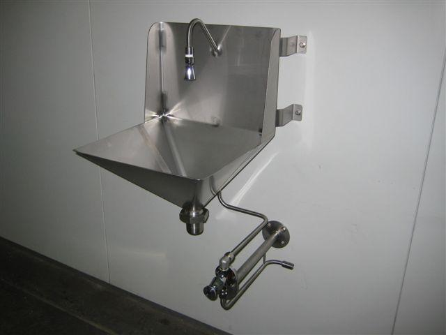 Knee Actuated Handwash Basin